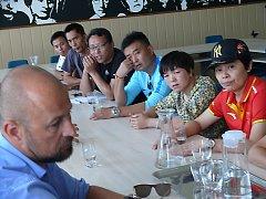 Hosté z Číny si prohlédli Regionální fotbalovou akademii Jihočeského kraje