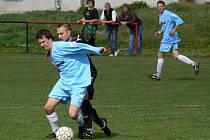 Fotbalisté Trhových Svinů i Mladého se vyhnuli starostem o záchranu.