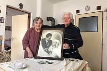 Manželé Eduard a Emilie Zíkovi (na snímku) ze Zlivi letos oslavili 70 let od svatby.