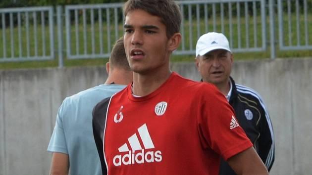 Mikuláš Jáša se po návratu z Lisabonu hned hlásil na tréninku devatenáctky Dynama.