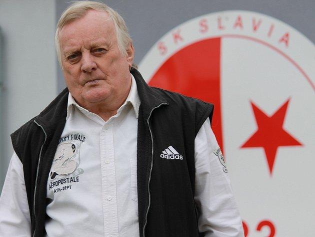 58. ročník Hynkova memoriálu na Slavii vyhrála stará garda Propomu před domácím týmem, Akrou a fotbalisty Mladého.