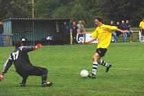 Petr Bobek v nastaveném čase tváří v tvář brankáři Bártovi neuspěl, podruhé v zápase mířil do tyče!