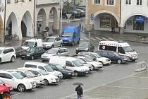 Parkování v centru Českých Budějovic. Ilustrační foto.