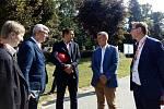 Zleva: Ministr průmyslu a obchodu Karel Havlíček, ředitel divize jaderná energetika skupiny ČEZ Bohdan Zronek, premiér Andrej Babiš a ředitel JE Temelín Jan Kruml.
