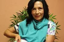 Hana Hudičáková vystudovala oděvní průmyslovku, nyní je profesionální chůvou. Své dovednosti a zájmy spojila, aby prostřednictvím Kabelkového veletrhu pomohla dětem.