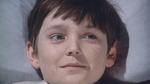 Vladimír Dlouhý jako ochrnutý chlapec Adam.