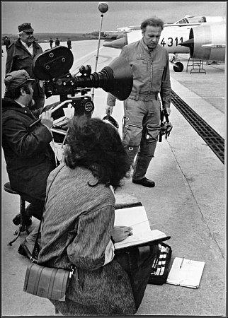 Kromě leteckých KROMĚ LETECKÝCH scén tvořily unikátní část filmu také záběry zjinak nepřístupného zákulisí bechyňského vojenského letiště.
