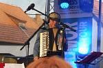 Na nádvoří borovanského kláštera hrála kapela Čechomor. Na snímku Radek Pobořil.