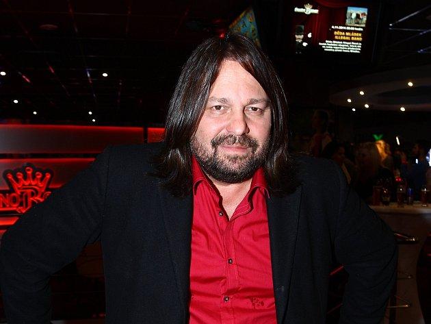 Zesnulý herec a producent Jiří Pomeje pocházel zČeských Budějovic. Jeho pohřeb se koná právě vjihočeské metropoli, a to ve středu od 13hodin.