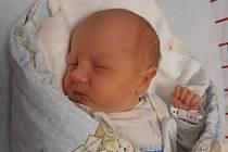 Prvorozený Václav Čížek se pro svůj příchod na svět rozhodl v úterý 7.7.2015 v 9 hodin a 23 minut. Po narození se mohl pochlubit váhou 3,60 kg. Pyšní rodiče Ivana a Václav Čížkovi si zanedlouho Vašíka odvezou domů do Němčic.