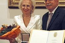 Vydavatelka PNP Angelika Diekmannová s ministrem hospodářství Martinem Zeilem.