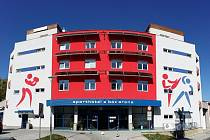 Box aréna v buějovickém Sport hotelu bude o víkendu hostit naděje českého boxu.