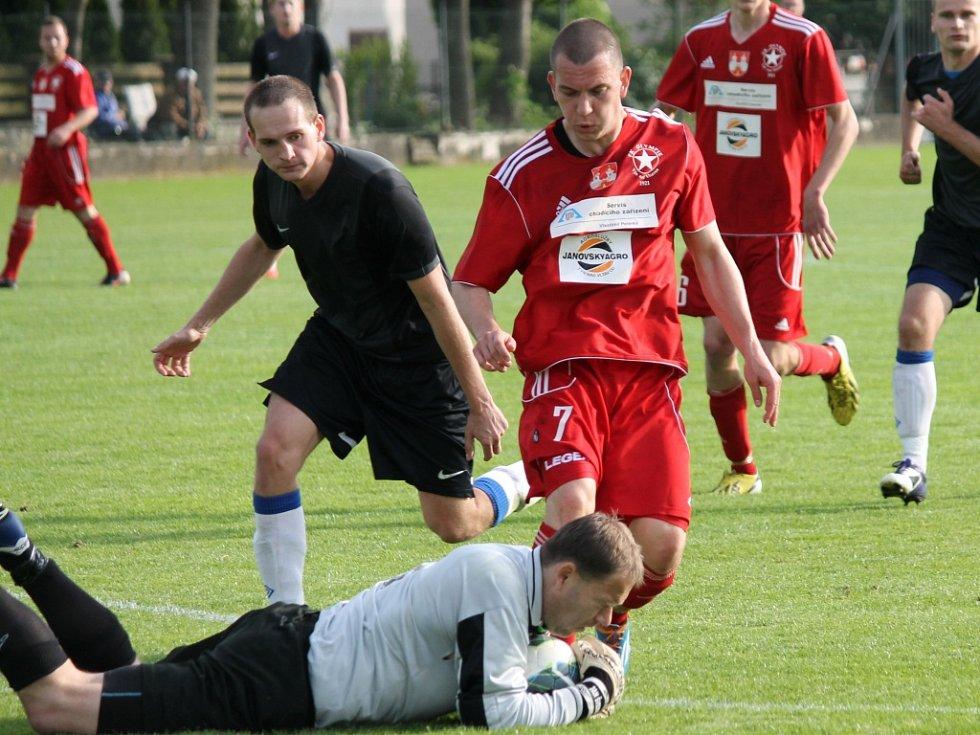 Švejda zasahuje. Olešník ve šlágru I.A třídy vyhrál nad Týnem 3:0 a posunul se před Olympii na druhé místo.