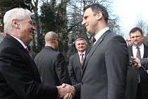 Třídenní návštěvu jižních Čech zahájil Miloš Zeman v pondělí dopoledne na krajském úřadu.