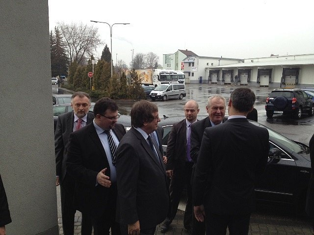 Miloš Zeman dorazil do Madety.