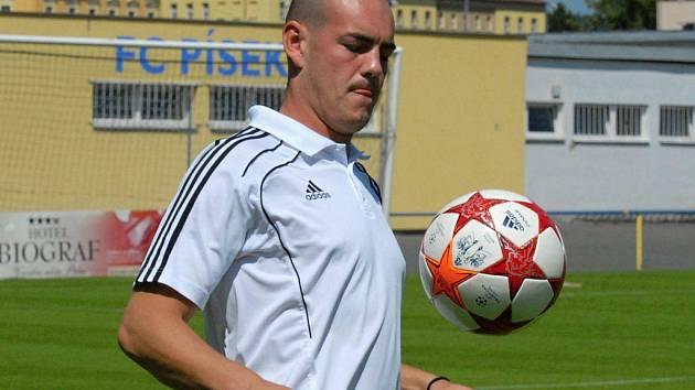 Andrej Pernecký by si chtěl v Dynamu zkusit zachytat českou ligu.