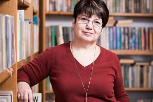 O potěchu duše čtenářů se v Hluboké nad Vltavou stará Marie Krejcarová.