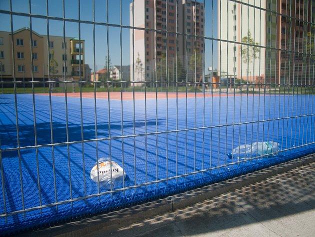 Sportoviště v Dubenské ulici na sídlišti Máj.