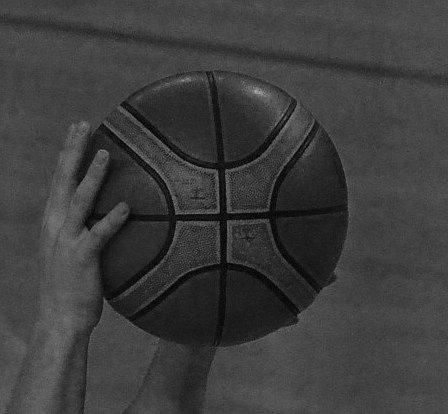TRAGÉDIE. Basketbalisty Lions zahalil smutek.