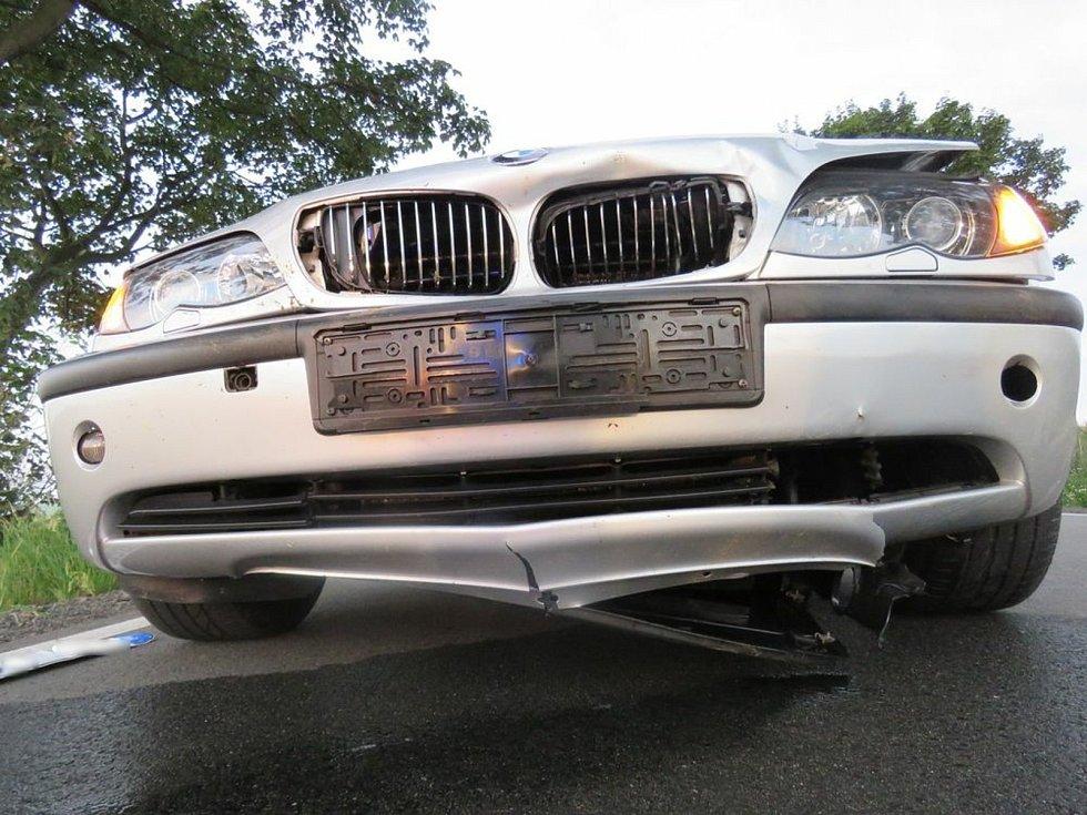 Dopravní nehoda - střet auta se zvěří. Ilustrační foto.