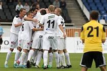 V Hradci začali fotbalisté Dynama hrát až za nepříznivého stavu 0:3, v pátek doma s Ústím chtěji černou sérii tří zápasů bez vítězství zlomit.