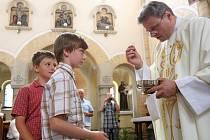 V Hosíně obnovili po osmdesáti lety tradici průvodu Božího těla.