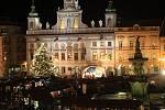 Česko zpívá koledy s regionálním Deníkem na náměstí Přemysla Otakara II. v Českých Budějovicích.