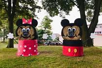V Lišově, u rybníka Horní, je ušatá Minnie a Mickey.