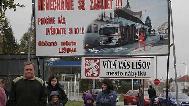 Lišovští žádají obchvat města už roky.