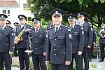 Hudba Hradní stráže a Policie ČR hrála v areálu budějovické nemocnice jako poděkování zdravotníkům za nasazení v době pandemie.