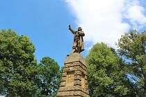 Kubatovy slavnosti pořádané obcí Dívčice a dalšími partnery 27. června 2020. Socha připomíná legendárního zbudovského rychtáře.