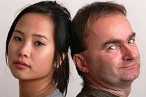 Režiséra Dana Svátka, který natočil snímek Hodinu nevíš, zaujal román Rafinerie budějovického mystifikátora Jana Cempírka (na snímku), který je pravým autorem 'vietnamského' bestselleru Bílej kůň, žlutej drak. Svátek chce podle Rafinerie natočit film.