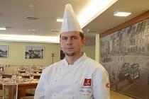 Devět let pracuje Filip Starý v nejvyšším hotelu Českých Budějovic, z toho necelý rok jako šéfkuchař Clarion Congress Hotelu.