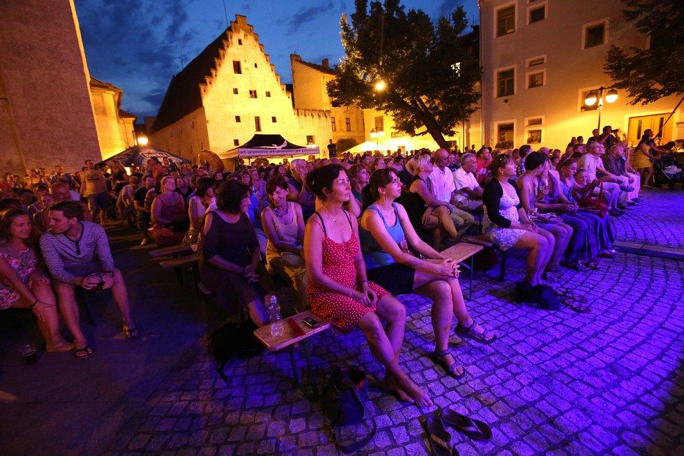 Piaristické náměstí zaplavili příznivci jazzu