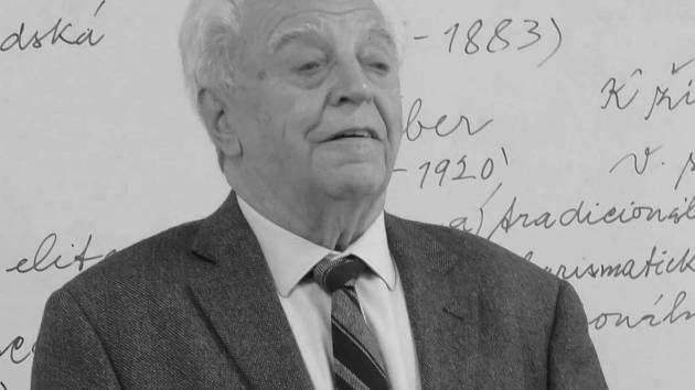 Přednášky Emanuela Pecky si studenti vždy pochvalovali.