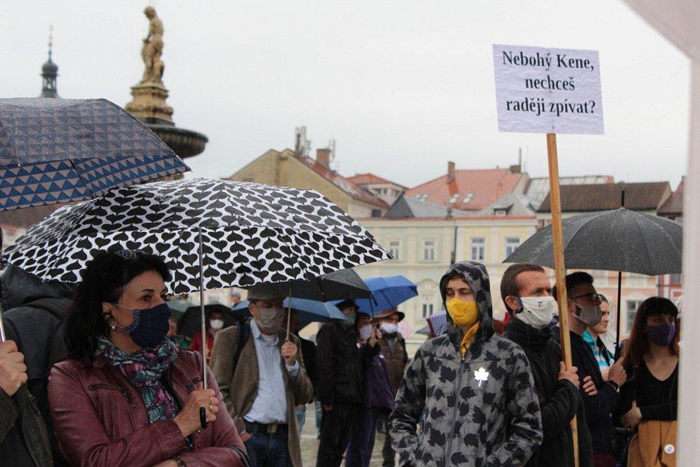 Demonstrace proti Andreji Babišovi v Českých Budějovicích 9. června 2020.