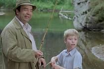 Záběr z filmu Zlatí úhoři.