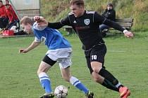 na závěr podzimu Ševětín (v černém) v derby remizoval s Dolním Bukovskem 2:2.