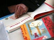Tábor patřil od 3. do 5. října knihám. Tabook, festival malých nakladatelů, přilákal stovky lidí a přijely osobnosti jako Karol Sidon nebo Timothée de Fombelle. Na snímku nová kniha Roční období od Blexbolexe.