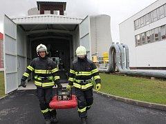 Ve speciálních kontejnerech proti zemětřesení mají temelínští hasiči umístěnu i lehkou mobilní techniku.