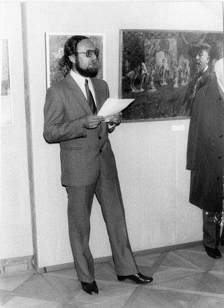 Vlastimil Tetiva pracoval jako kurátor 37let vAlšově jihočeské galerii.