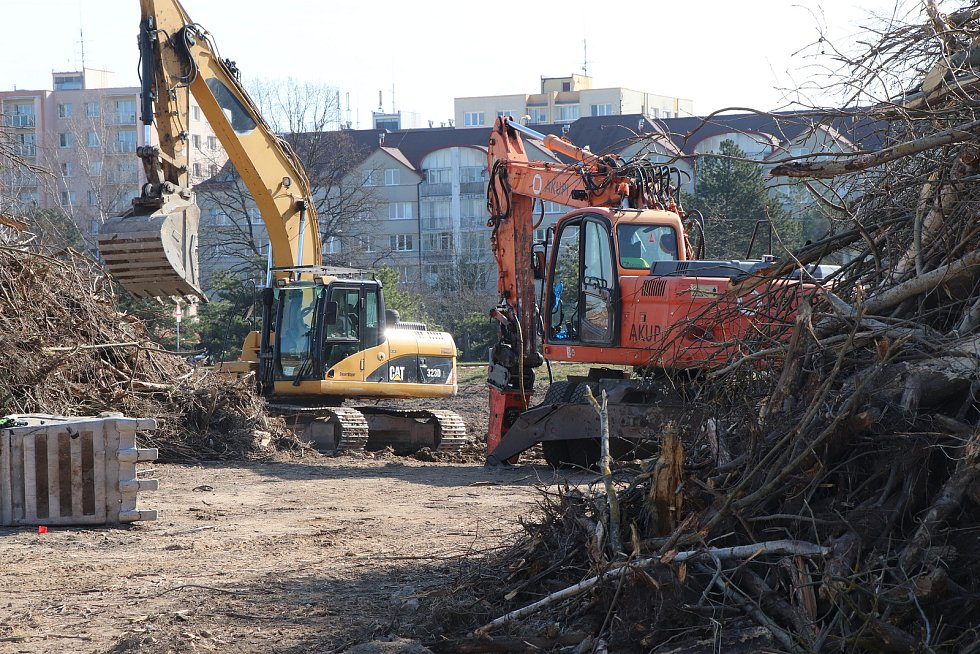 Výstavba druhého Kauflandu ve Čtyřech Dvorech pokračuje zemními pracemi