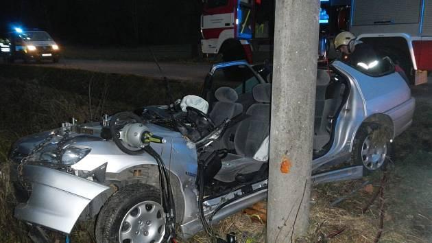 Dopravní nehoda mezi obcemi Bzí a Žimutice u Štipoklas.