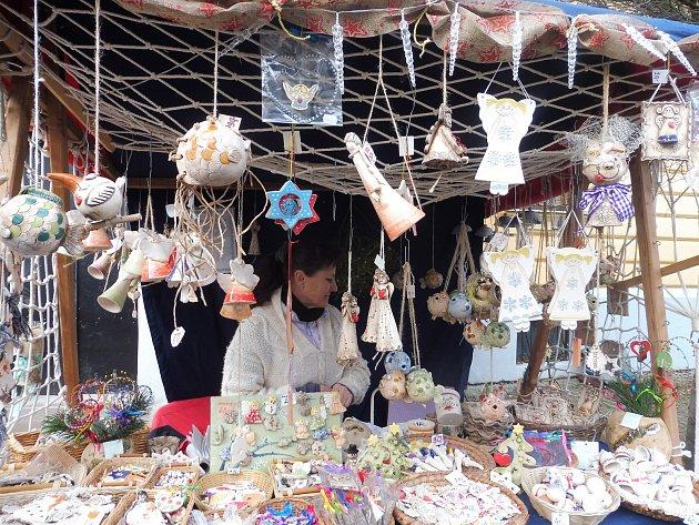 Na Piaristickém náměstí a v Panské ulici si můžete užít atmosféru vánočního staročeského trhu. Vánoce na starém městě trvají do 17. hodin.