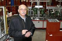 Ludvík Čurda stál v čele dačického Centropenu 28 let. Pod jeho vedením si podnik vybudoval pověst stabilního a kvalitního výrobce.