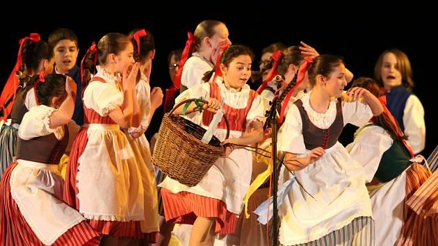 Krajská přehlídka dětských folklorních souborů.