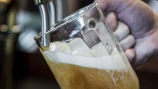 Nový trend: Velké pivovary vaří speciály smalými