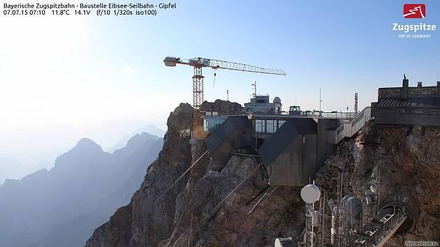 Staveniště na Zugspitze živě.
