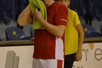 PODAŘENÝ VÝKON. Adrian Melski v Děčíně předvedl svůj nejlepší výkon v dresu Lions. Křídlo Jindřichova Hradce si v utkání připsalo 10 bodů a 7 doskoků.