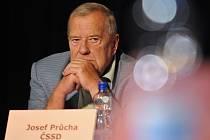 JUDr. Josef Průcha působil dlouhá léta jako zastupitel a člen rady města České Budějovice.